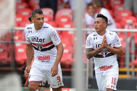 Diego Souza e Cueva marcaram os gols do São Paulo