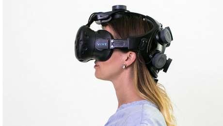 A headset da Neurable pode ser 'inteligente', mas será que é confortável? | Foto: Neurable/Divulgação