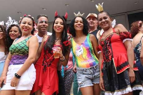Foliões durante desfile do Bloco Acadêmicos do Baixa Augusta na Rua Consolação em São Paulo (SP), neste domingo.