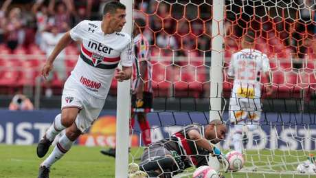 Camisa 9 abriu o placar na vitória por 2 a 0 sobre o Botafogo de Ribeirão Preto no sábado (Marcello Zambrana/AGIF)