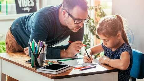 Para associação brasileira, educar em casa é parte de um 'projeto de vida' que envolve toda a família