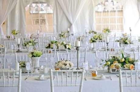 26. Linda decoração de casamento para mesa dos convidados.