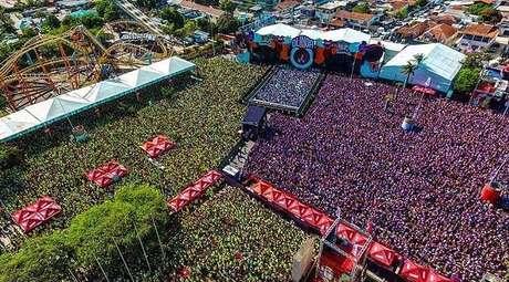 Em Recife, os shows  fechados, como o Olinda Beer , contou com grandes atrações