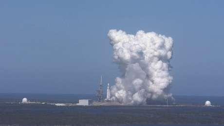 Um teste dos motores foi realizado no mês passado | Foto: Space X