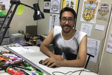 Jorge Silveira estreia na São Clemente com enredo sobre a Escola de Belas Artes, onde se formou