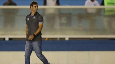 Felipe Conceição já sofre com muitas críticas, principalmente após a eliminação (Foto: Vitor Silva/SSPress/Botafogo)
