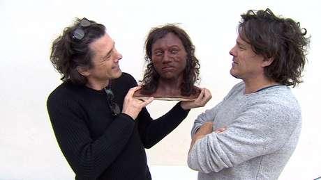 Gêmeos holandeses Adrie e Alfons Kennis recriaram a face do Homem de Cheddar | Foto: Channel 4