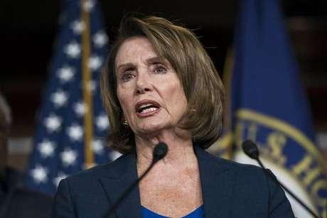 Nancy Pelosi. Oito horas em defesa dos