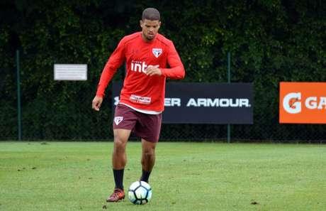 O zagueiro Rony fez apenas uma partida defendendo as cores do São Paulo (Érico Leonan/saopaulofc.net)