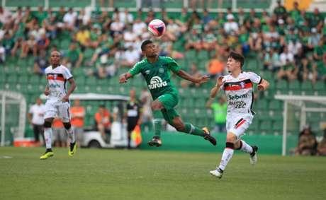 Márcio Araújo estreia na Chapecoense (Foto: Sirli Freitas / Chapecoense)
