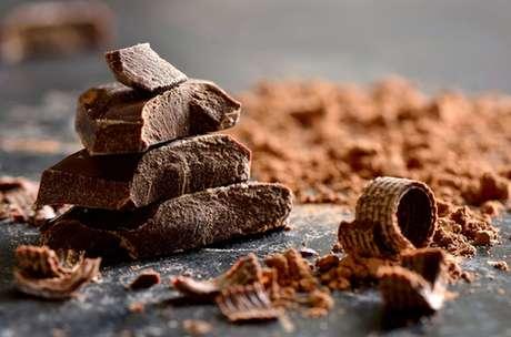 Pedaços de chocolate amargo