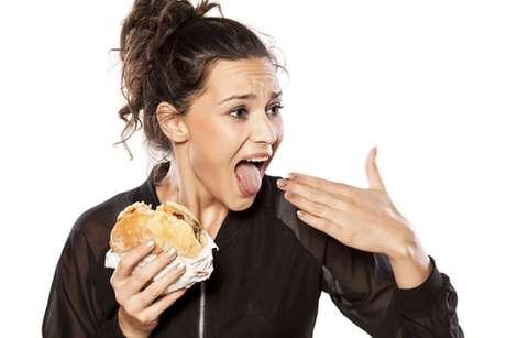 Língua queimada: confira 5 truques para aliviar a dor