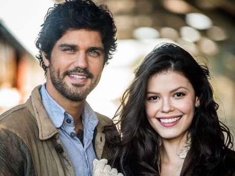 """Novela """"Tempo de Amar"""": Inácio (Bruno Cabrerizo) desiste de Maria Vitória (Vitória Strada) e decide voltar ao Brasil para recomeçar a vida!"""