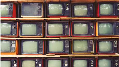 Especialistas apontam pouco tempo de propaganda eleitoral na TV como desafio para a candidatura de Bolsonaro