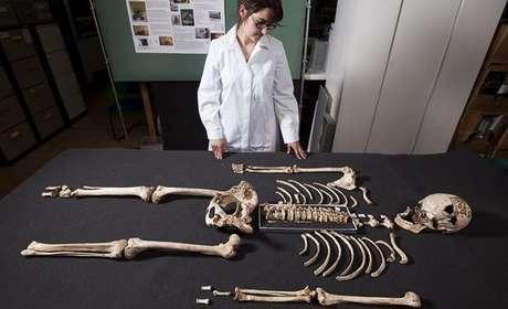 """O esqueleto do """"homem de Cheddar"""" foi encontrado há mais de um século."""