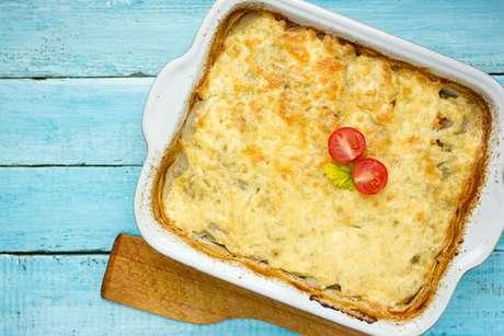Lasanha de frango com queijo gratinada