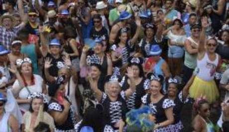 Rio de Janeiro - O Cordão da Bola Preta, mais antigo bloco em atividade no Rio de Janeiro, faz desfile comemorativo de seu centenário no centro da cidade ()