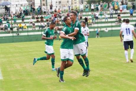 Goiás vence Aparecidense e continua líder do Goianão (Divulgação Goiás)