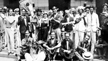 Fundadores do Cordão da Bola Preta, um dos grupos carnavalescos mais tradicionais do Rio, em 1918 (crédito: Acervo Bola Preta)