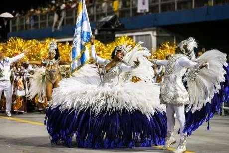 Águia de Ouro desfila às 2h no Sambódromo do Anhembi