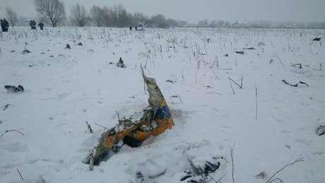 Destroços da aeronave foram achados em um campo coberto de neve no sudeste de Moscou
