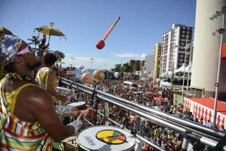Olodum anima o carnaval na capital baiana neste domingo