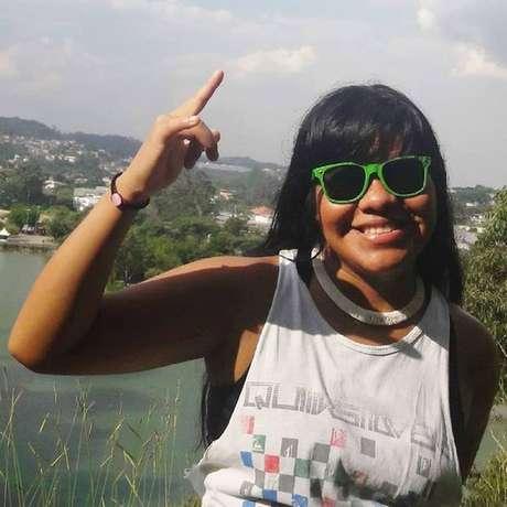 Ysani saiu pela primeira vez da tribo Kalapalo, no Parque Indígena do Xingú, aos 12 anos, com os pais e os irmãos. Na época, não falava um palavra de português | Fonte: Reprodução/Facebook