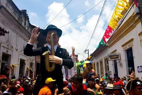 Os bonecos gigantes, tradição do carnaval pernambucano, desfilaram mais uma vez pelas ruas de Olinda