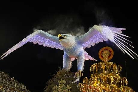 Águia da Portela no desfile de 2017