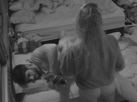 """No """"BBB18"""", Lucas e Jéssica continuam se provocando"""