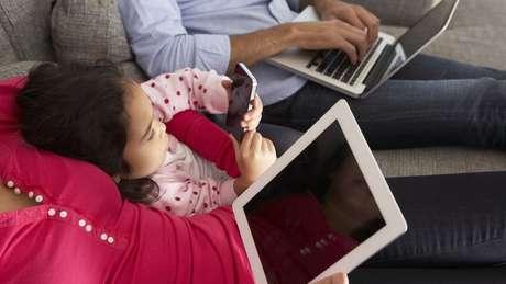 'Empresas de tecnologia estão conduzindo um experimento em massa e em tempo real com nossas crianças', diz CEO da Common Sense