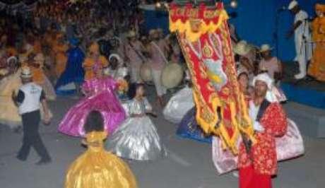 O maracatu é um ritmo tradicional do Nordeste do país