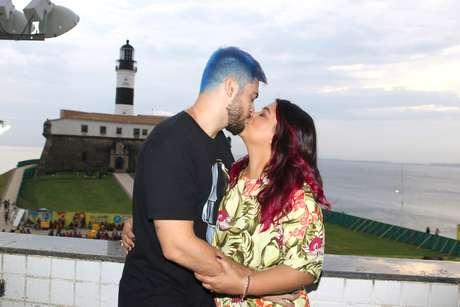 Folia na capital baiana começou ao lado do marido
