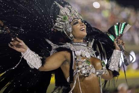 A rainha da bateria Milena estreou na elite do Carnaval carioca.