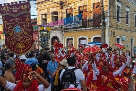 Carnaval de Olinda reúne foliões nas ruas da cidade