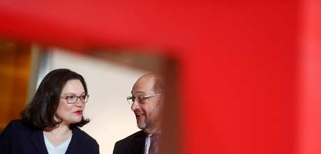 Líder do Partido Social Democrátido da Alemanha, Martin Schulz (direita), e indicada Andrea Nahles