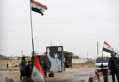 Imagem de presidente sírio Bashar al-Assad em Aleppo