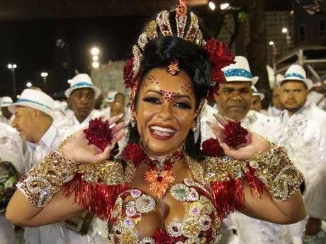 Raíssa Oliveira, há 17 anos como Rainha da Beija-Flor, se emocionou com vitória no Carnaval de 2018