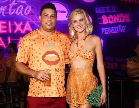 Ronaldo curtiu o Carnaval ao lado da namorada