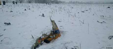 Destroços do avião se espalharam por 30 hectares