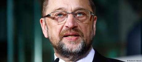 Schulz anuncia que sua renúncia tem efeito imediato
