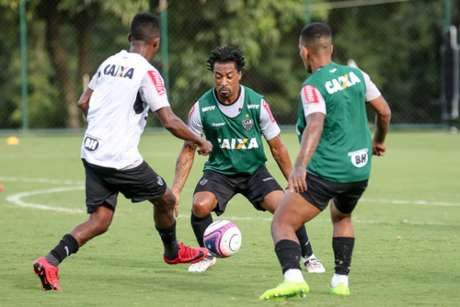 Jogadores se preparam para encarar o América-MG (Foto: Bruno Cantini / Atlético-MG)