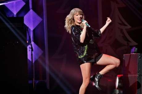 Cantora Taylor Swift durante apresentação em Nova York 08/12/2017 REUTERS/Lucas Jackson