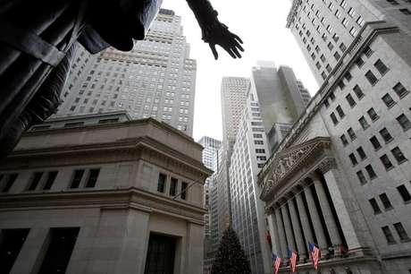 Fachada da Bolsa de Nova York em Manhattan, nos EUA 21/12/2016 REUTERS/Andrew Kelly