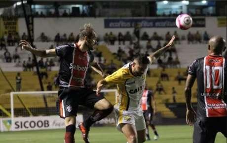 De virada, Criciúma vence Joinville e deixa lanterna do Campeonato Catarinense (Foto: Beto Lima / JEC)