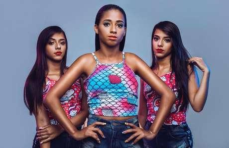 MC Loma e as Gêmeas Lacração bombam com o hit Envolvimento