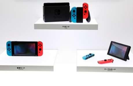 Console Switch da Nintendo durante lançamento em Tóquio, Japão 13/01/2017 REUTERS/Kim Kyung-Hoon