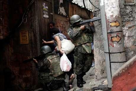 Rodrigo Maia prepara discurso para engavetar a reforma da Previdência, diz jornal