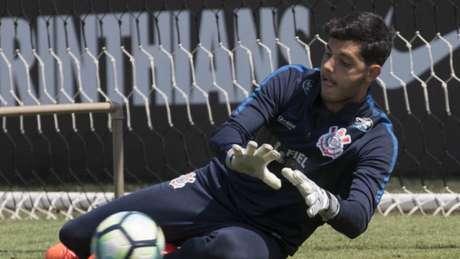 Goleiro reserva do Corinthians sofre assalto após derrota em Itaquera