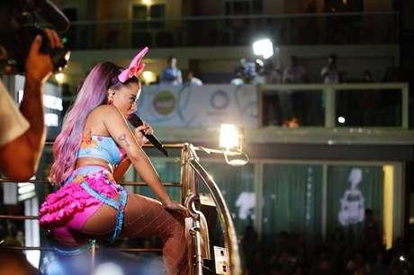 Anitta circulou por várias cidades durante todo o Carnaval